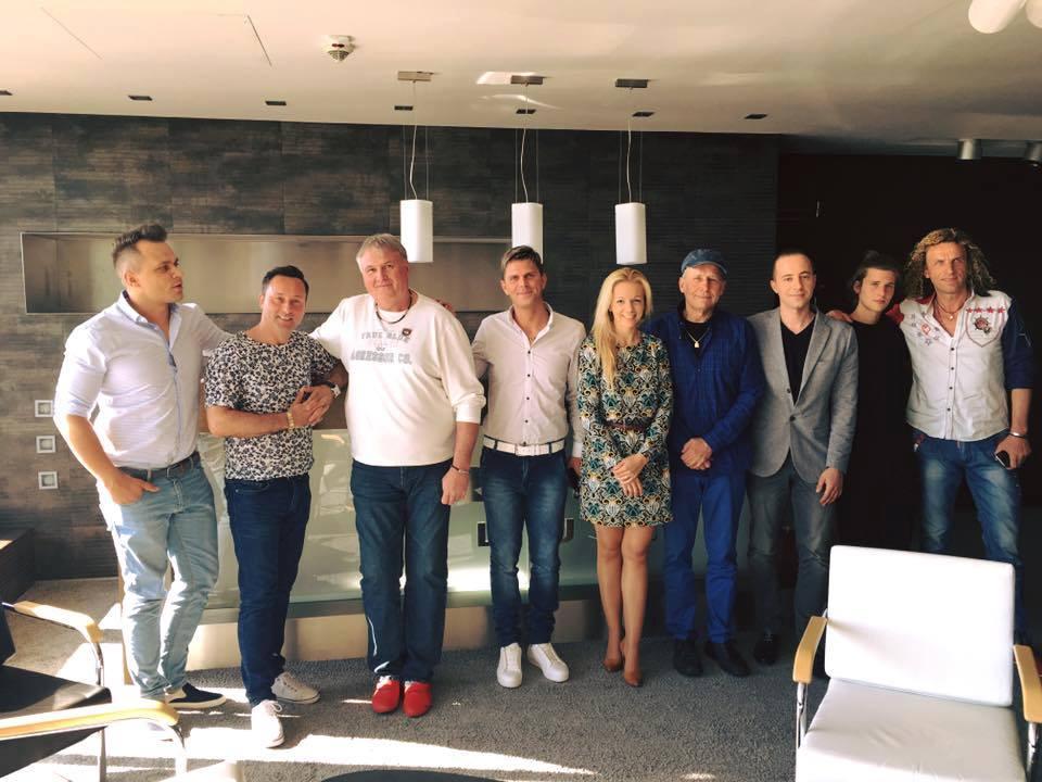 2016 április 21én az RTL Klub székházában tárgyaltak a Muzsika tv arcai a jövőről